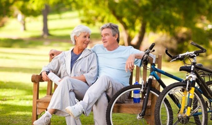 Couple-with-Bikes