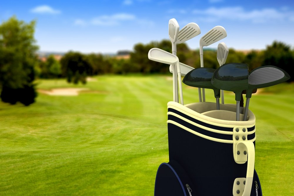 Golf-Clubs-on-Course