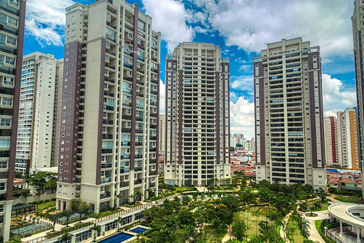 Condominium high rise